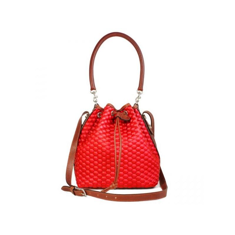 Bolsa Saco Feminina Vermelha Matelassê com Couro Marrom