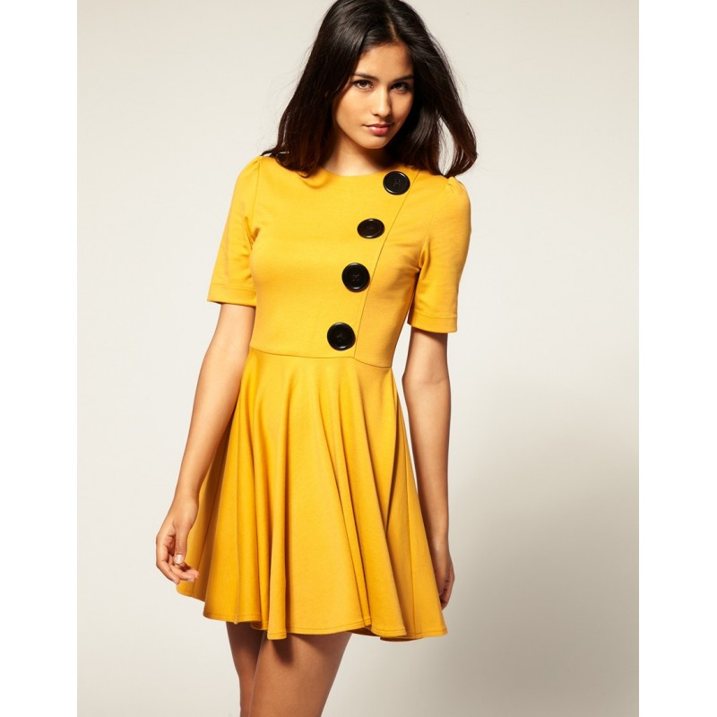 Vestido Amarelo Curto Elegante com botoes Pretos Saia Gode