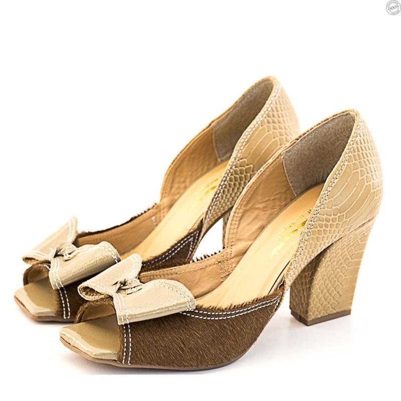 Sapato Feminino  Peep Toe em Couro com Laço e Salto Grosso