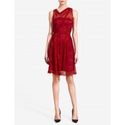 Vestido Curto Vermelho de Renda para Festas