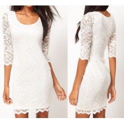 Vestido Branco em Renda Curto