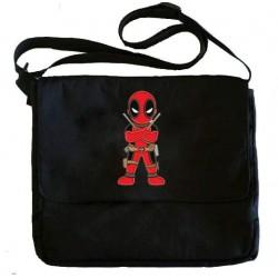 Bolsa Escolar Carteiro Deadpool Preta Estampada