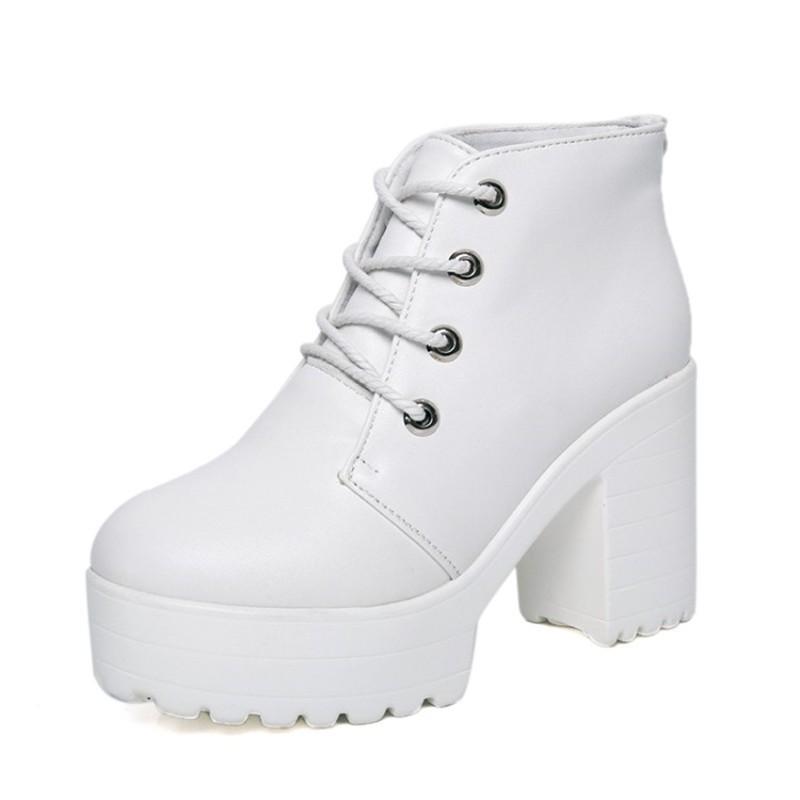Resultado de imagem para botas feminina branca
