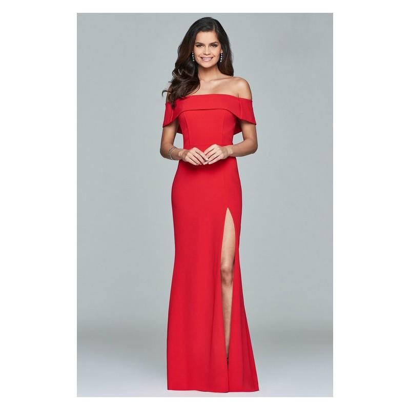 Vestido Longo Vermelho Ombros a Mostra com Fenda