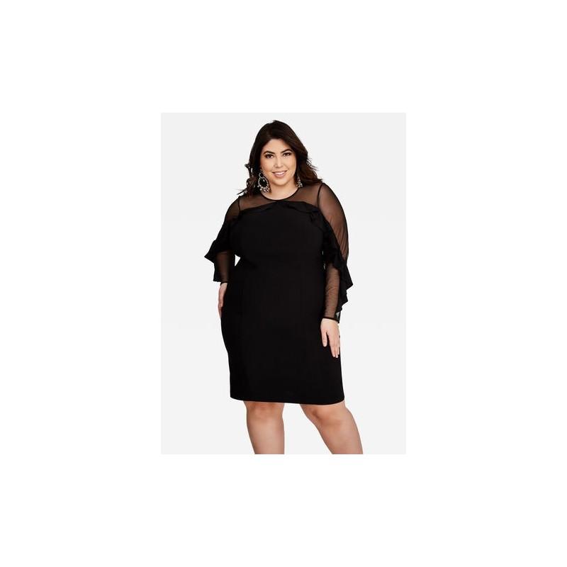 Vestido Preto Comprimento Médio Transparência Plus Size