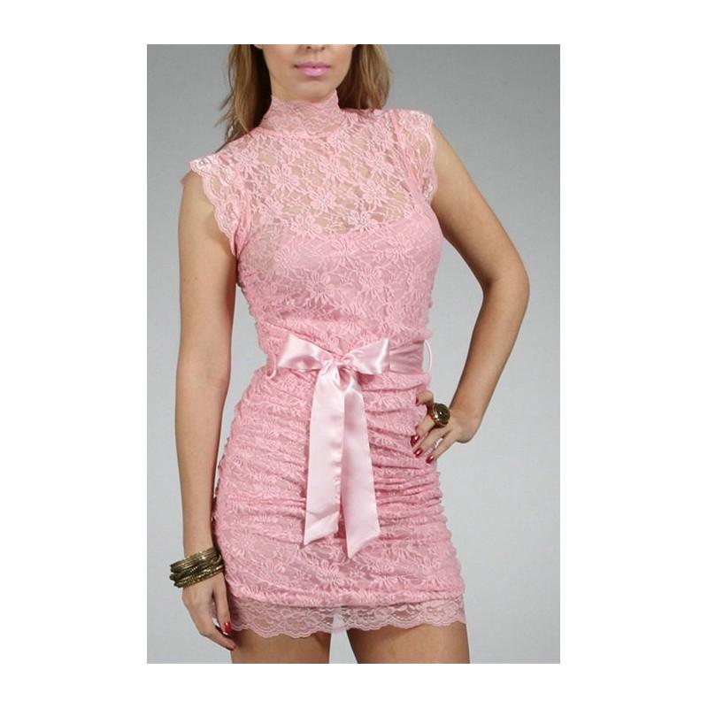 Vestido Renda Rosa Gola Alta Laço