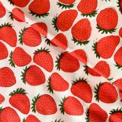 Tecido estampa morangos...
